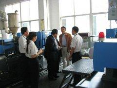 日本客户到厂参观考察